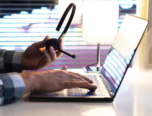Online-Meeting: 5 Fehler, die Sie beim Sprechen vor Kamera und Mikrofon vermeiden sollten